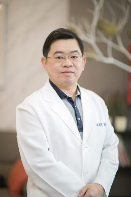 吳權量醫師